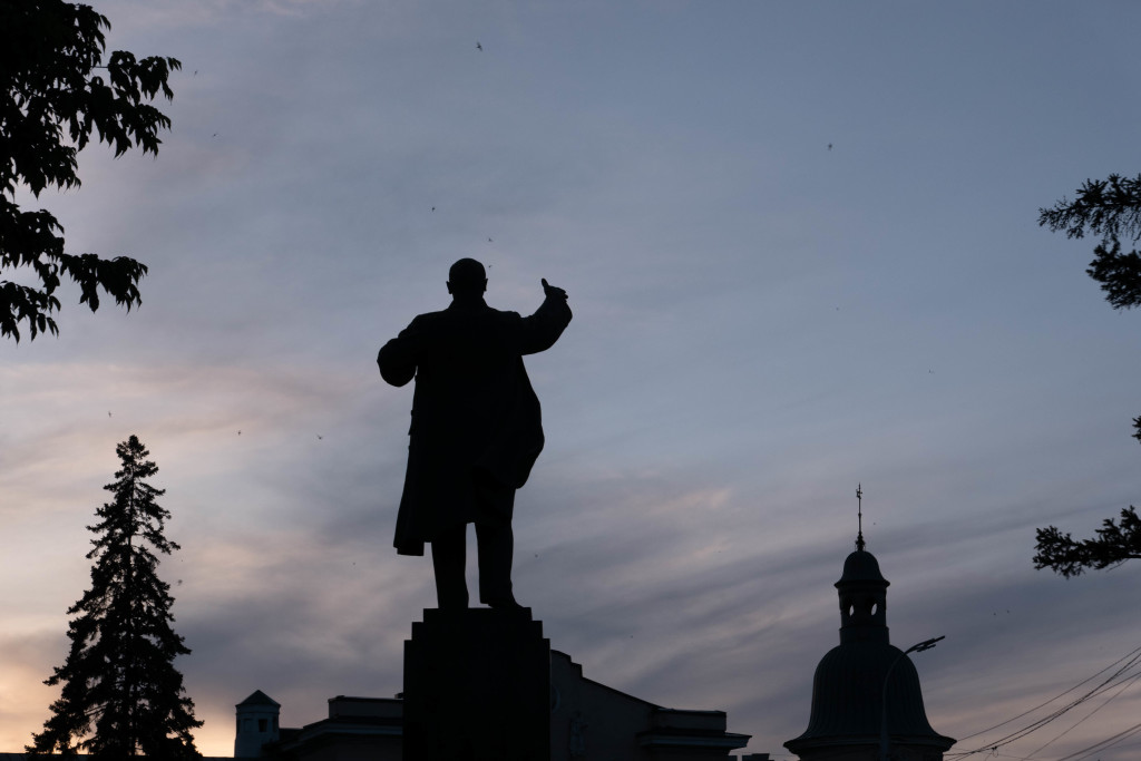 Lenin keeping a watchful eye over the city